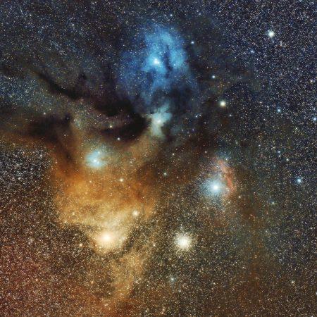 アンタレスと散光星雲群