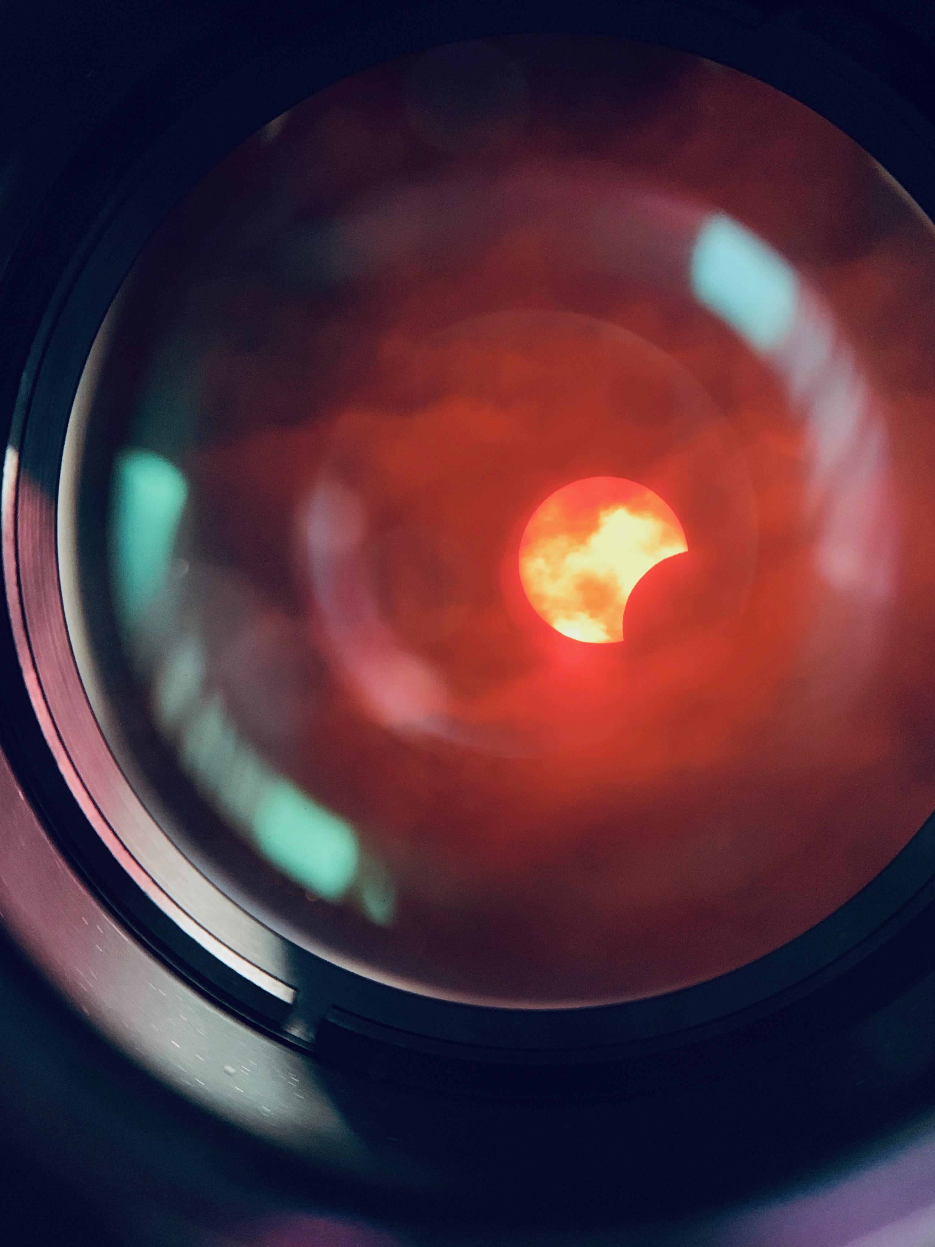 ファインダー越しの部分日食(望遠鏡を使ったので上下左右逆)